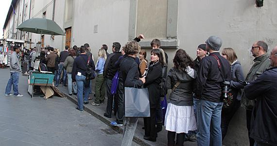 Accademia: fila dos sem-hora marcada
