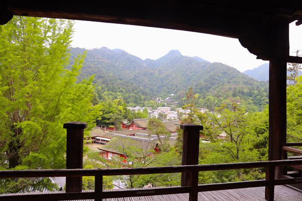 Vista-templo-Itsukushima-Senjokaku-hiroshima-relato