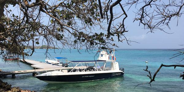 barco-SPMajagua-colombia-isla-del-rosario-relato-miriam