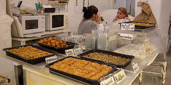 Comida grega: loukoumades e baklava